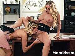 Daughter visit stepmom beastiality sex work to eat her snatch Mom Porn